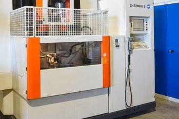 Drahterodiermaschine-Charmilles-440CC_1-937x1024